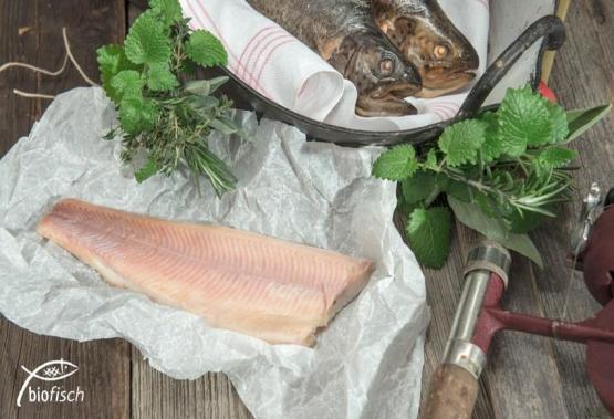 BIO-Forelle im Ganzen geräuchert, ca. 0,25 kg